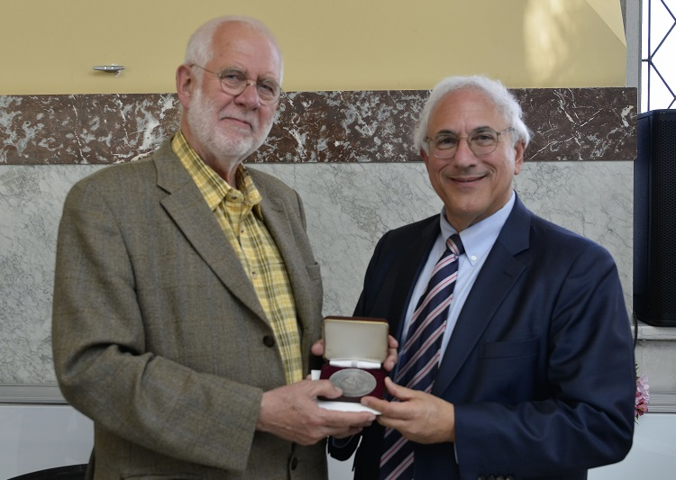Geer Steyn Receives the Saltus Award at FIDEM 2018